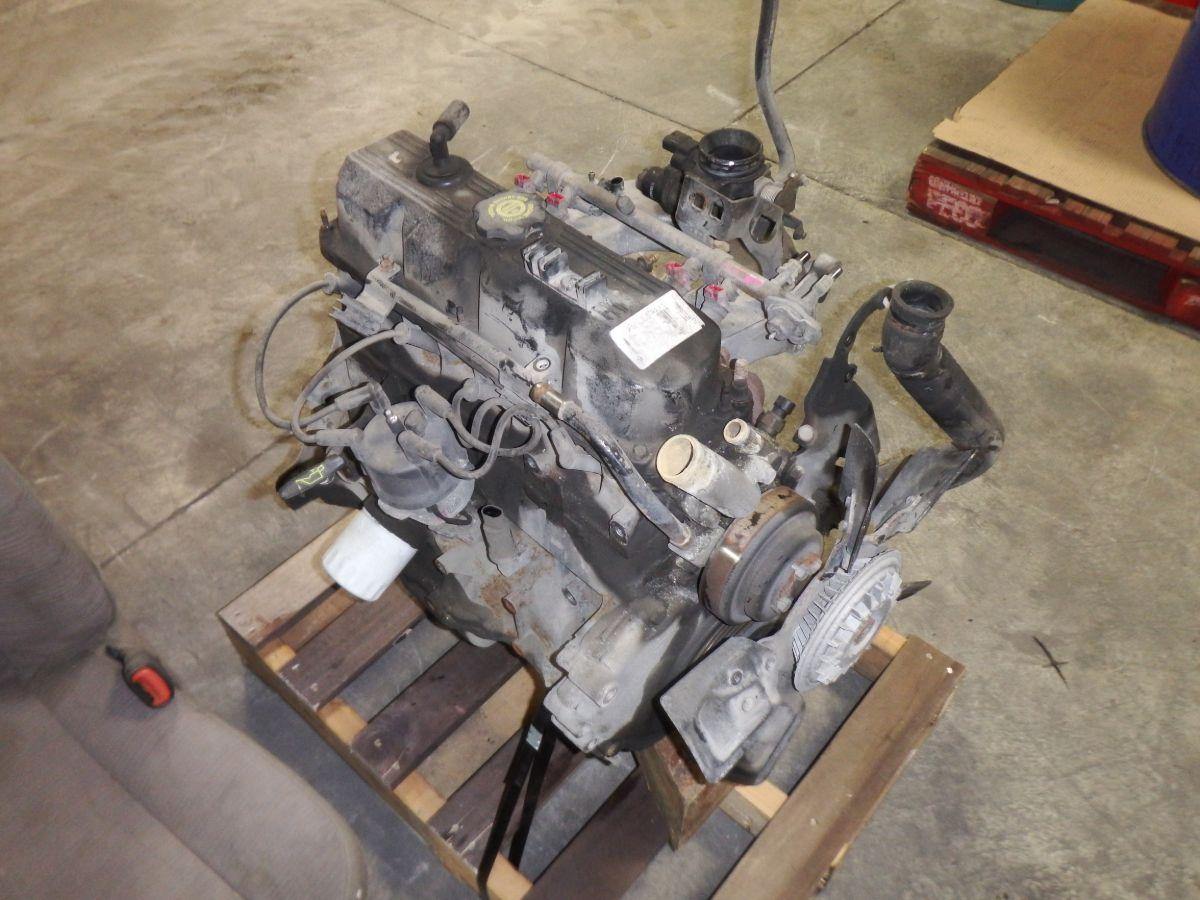 95 Jeep Wrangler YJ 2.5 Engine 126k Miles Image
