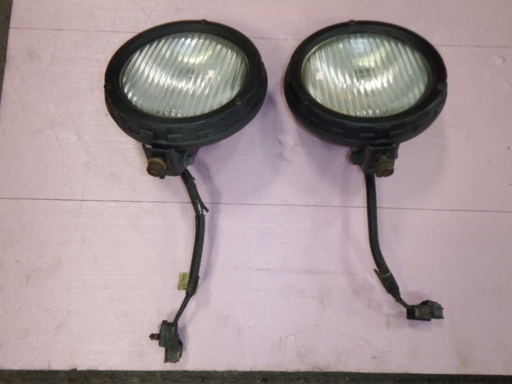 97-04 Jeep Wrangler OBEN Fog Lights Image