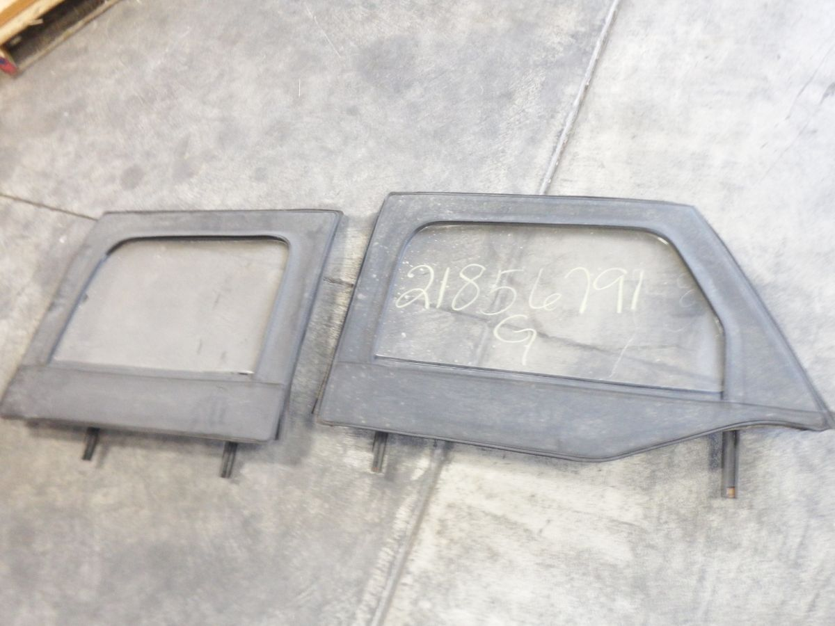 07-Up Jeep Wrangler JK 4 Door JKU 1/2 Door Upper Windows Image