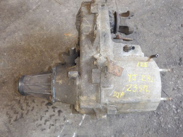 Jeep Wrangler YJ 231J 23 Spline Transfer Case Image