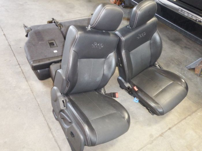 2008-2012 Jeep Liberty Jet Heated Leather Power Seat Set Image