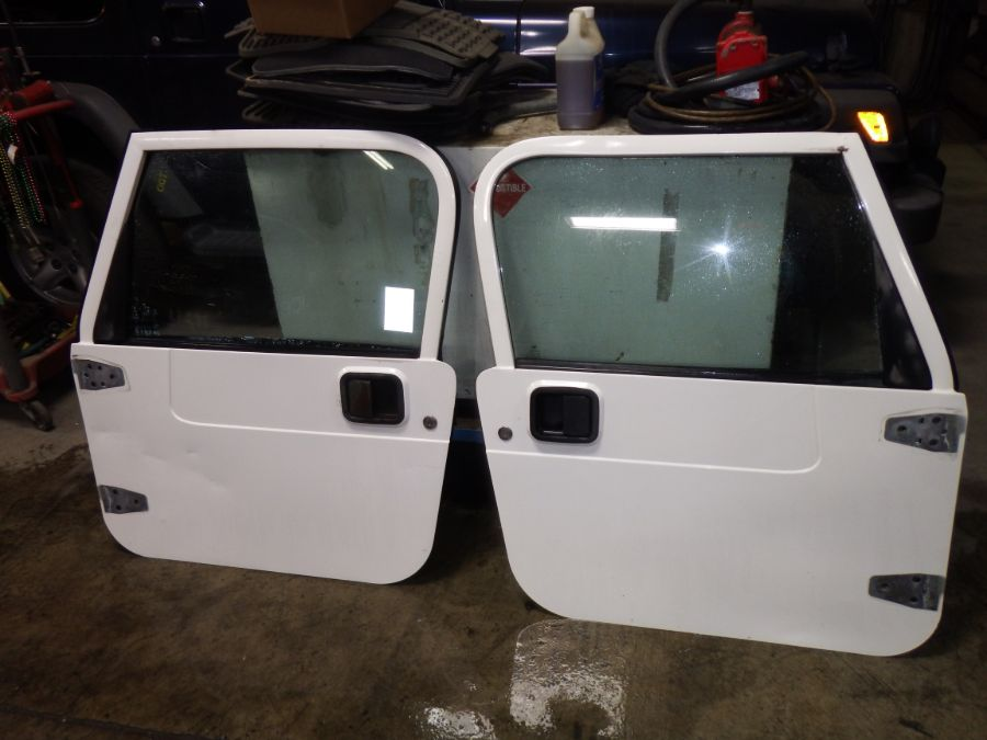97-06 Jeep Wrangler TJ LJ Full Doors White PW1 Image
