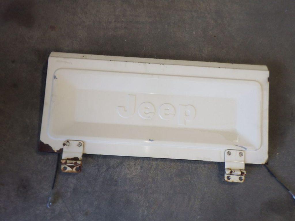 Jeep CJ7 CJ8 Original Tailgate Image