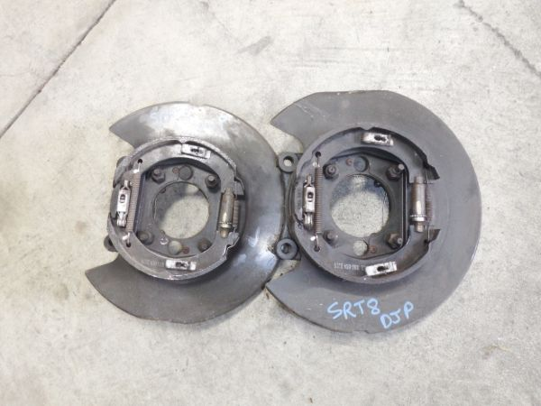 07 Jeep Grand Cherokee SRT8 Hemi Rear Brembo Brake Backing Plate Image