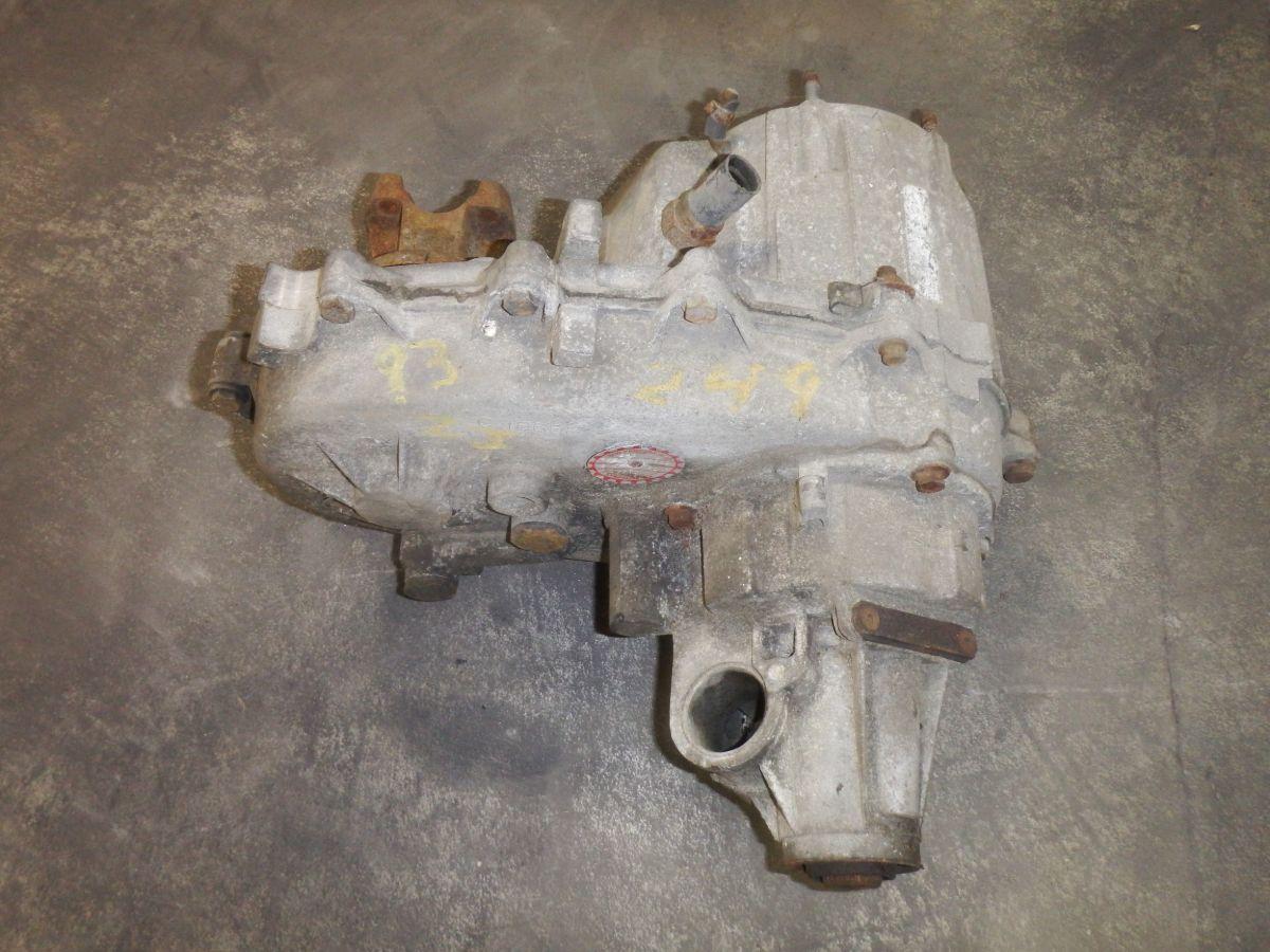 93 Grand Cherokee ZJ 249 Transfer Case Image
