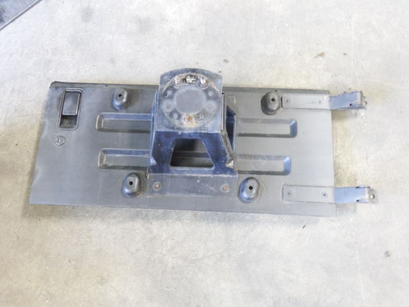 87-95 Jeep Wrangler YJ Tailgate Rust Free Image