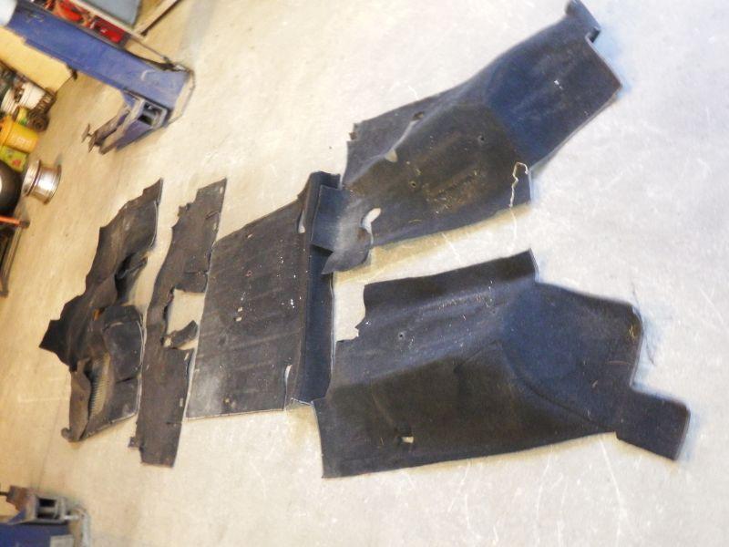 87-95 Jeep Wrangler YJ Carpet Set Black Needs Cleaned Image