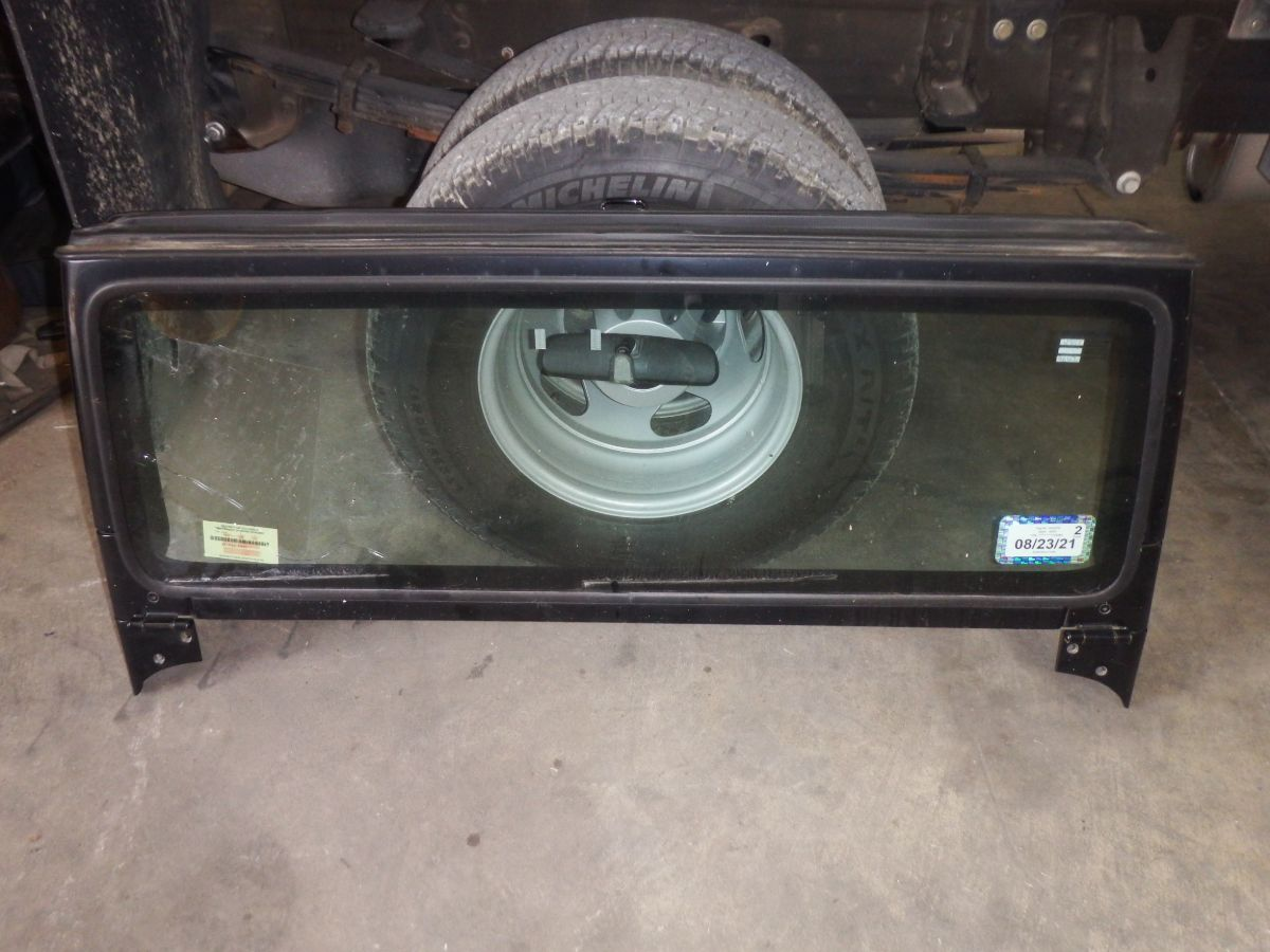 03-06 Jeep Wrangler TJ Windshield Frame Bad Glass 100 Image