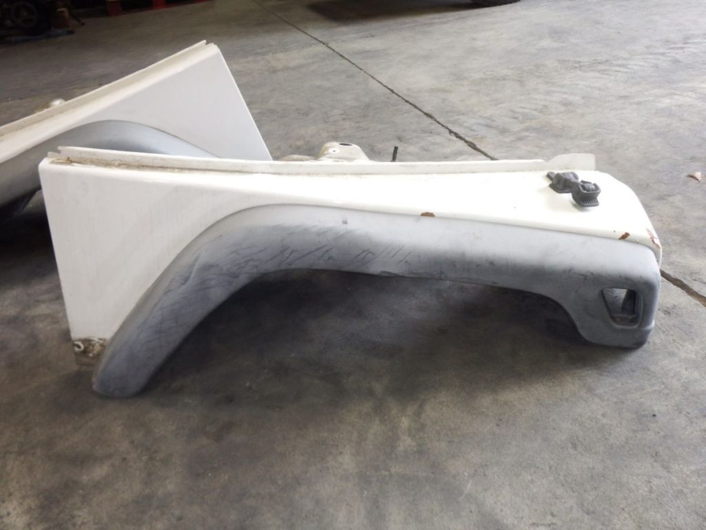 03 Jeep Wrangler TJ LJ Fender PW1 White RIGHT Image