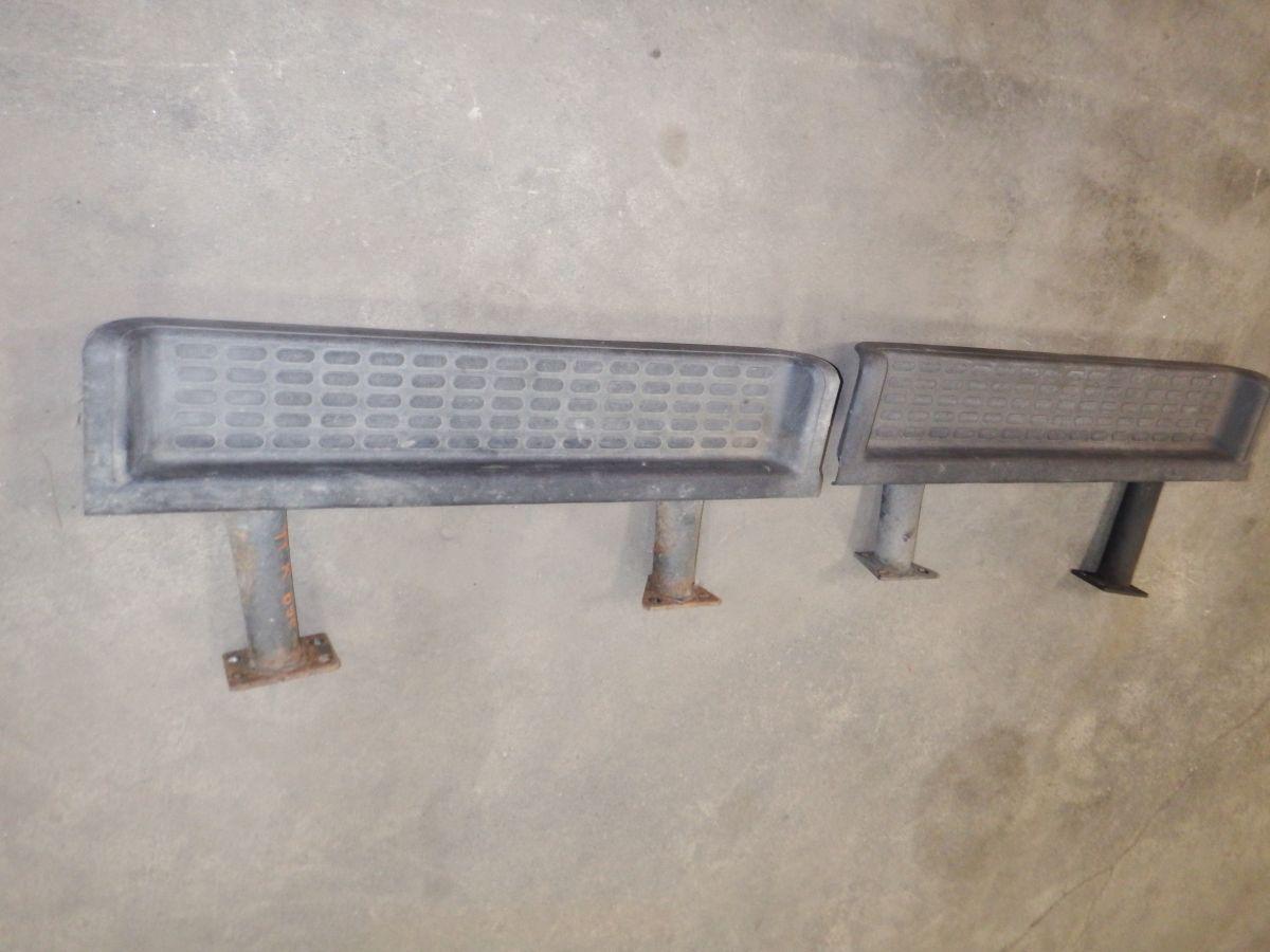 97 98 99 00 Jeep Wrangler OEM Side Steps TJ 100 Image