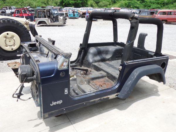 2005 Jeep Wrangler TJ Tub PBT Image