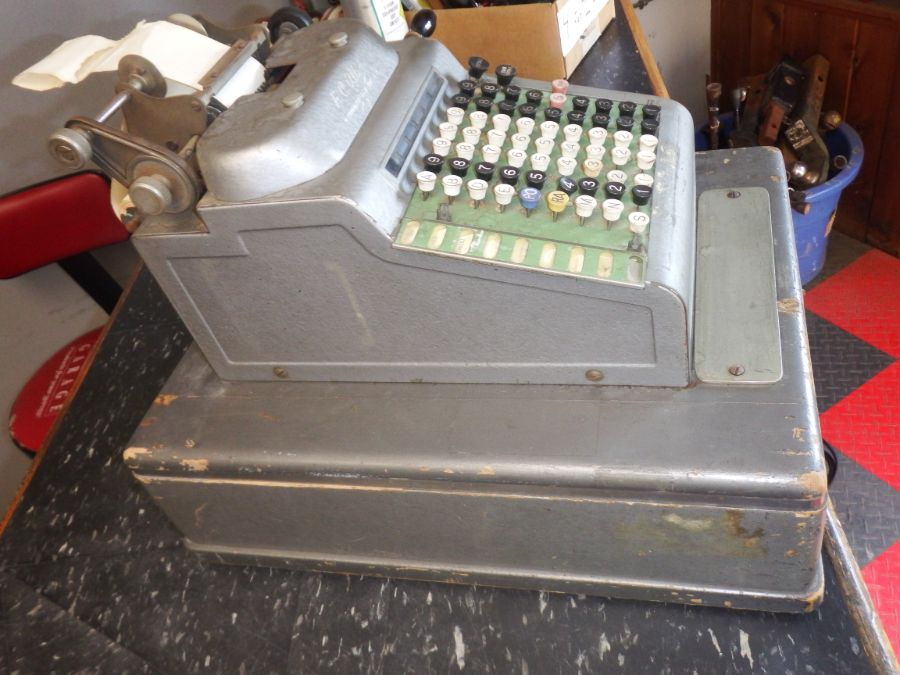 R C Allen Cash Register Model 200 Image
