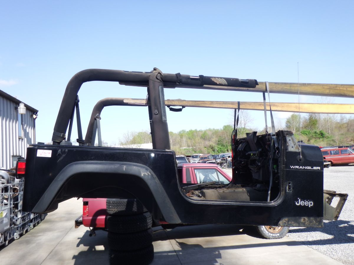 03 Jeep Wrangler TJ Rust Free Tub Image