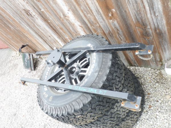 1987-91 Jeep Wrangler YJ Spare Tire Mount Image