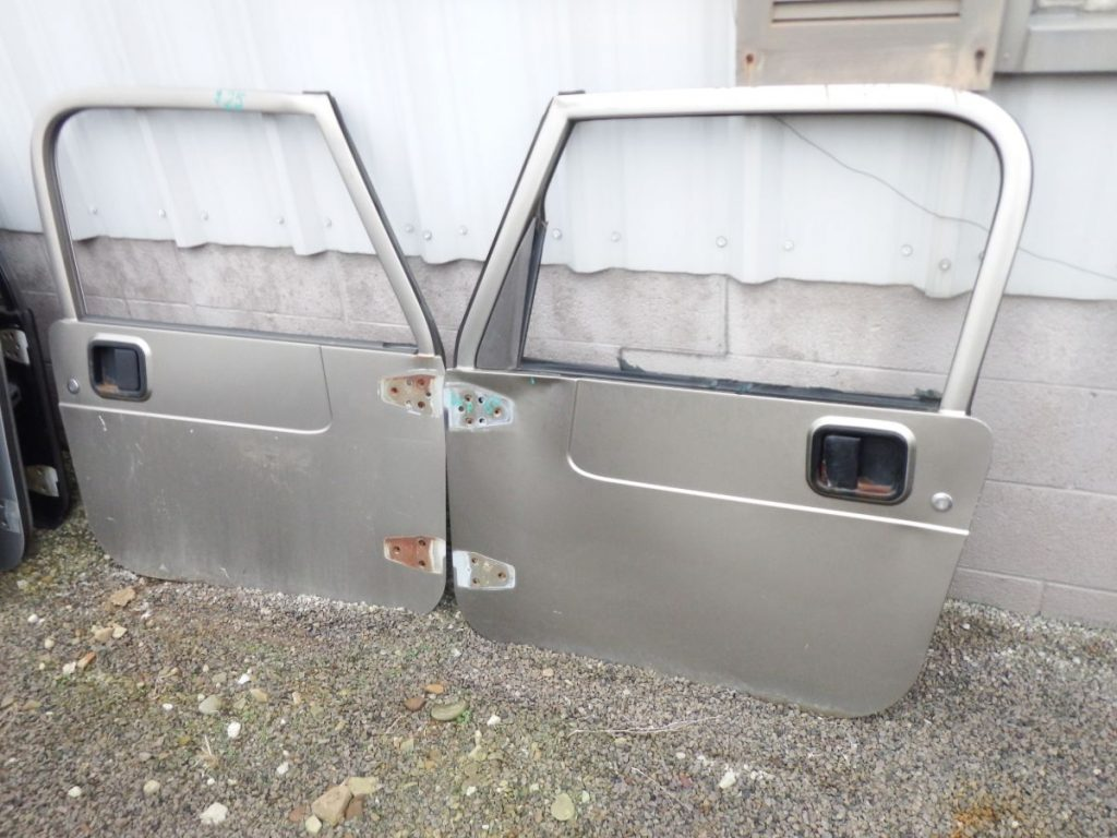 Pair Jeep Wrangler TJ LJ Full Doors Damaged Image