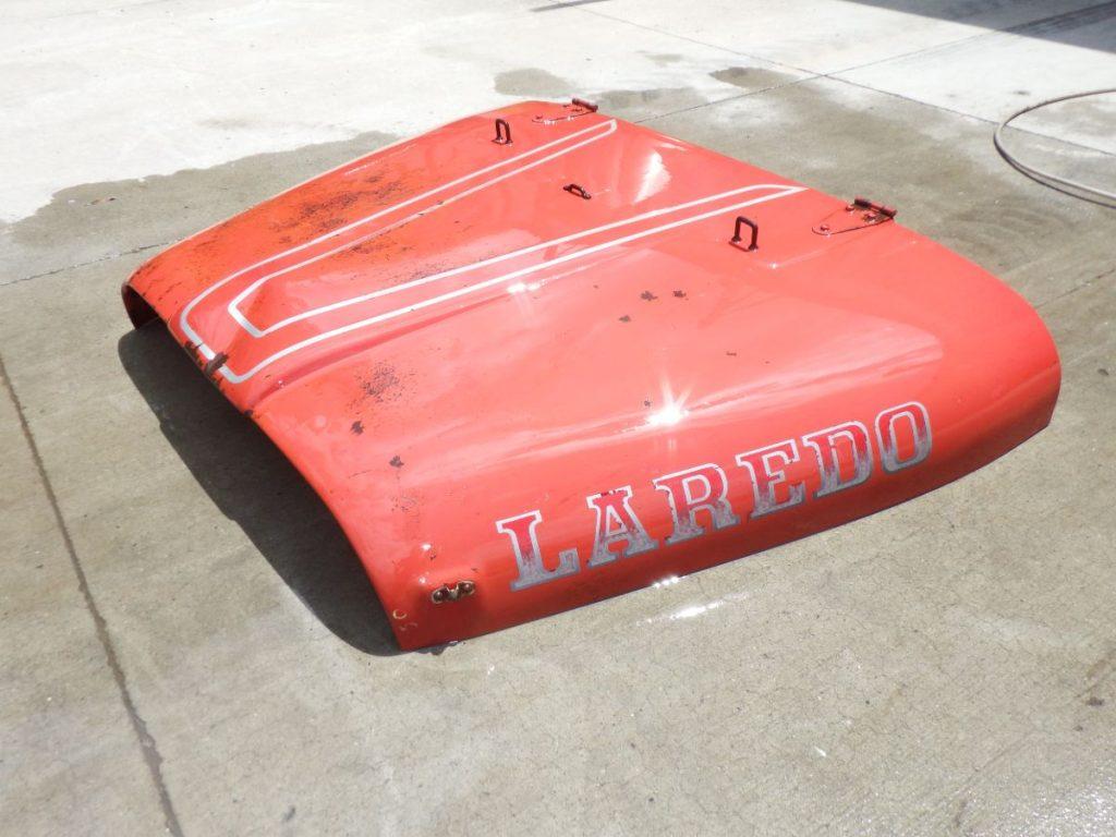 CJ Laredo Wall Hanger Hood, Dented Rusty Image