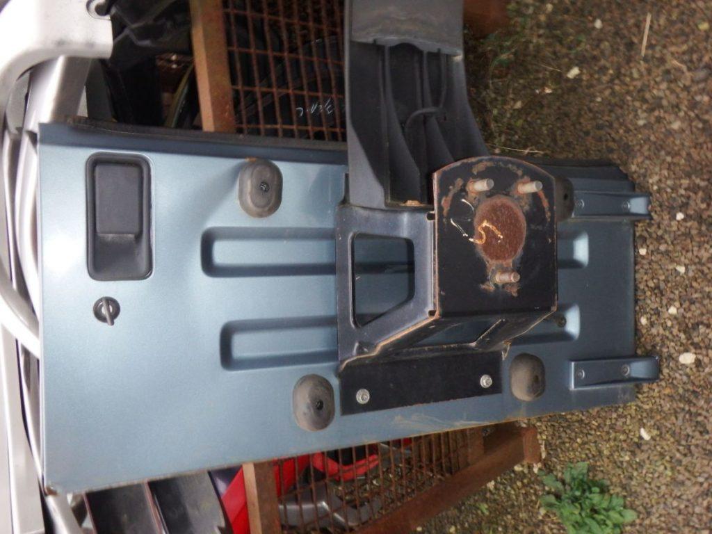 Jeep Wrangler TJ Tailgate 25 Image