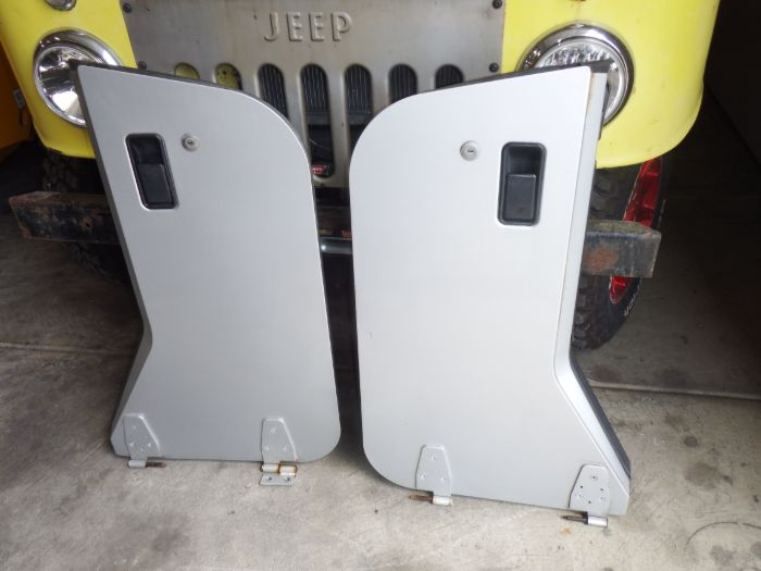 97-06 Jeep Wrangler TJ 1/2 Doors Silver PSB Image