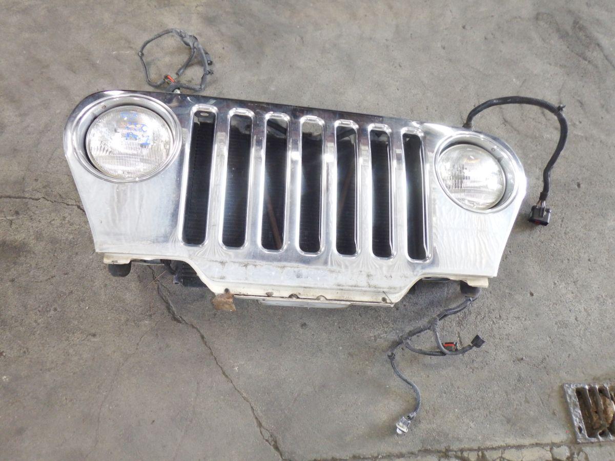 03 Jeep Wrangler TJ Grille White PW1 Chrome Overlay Image
