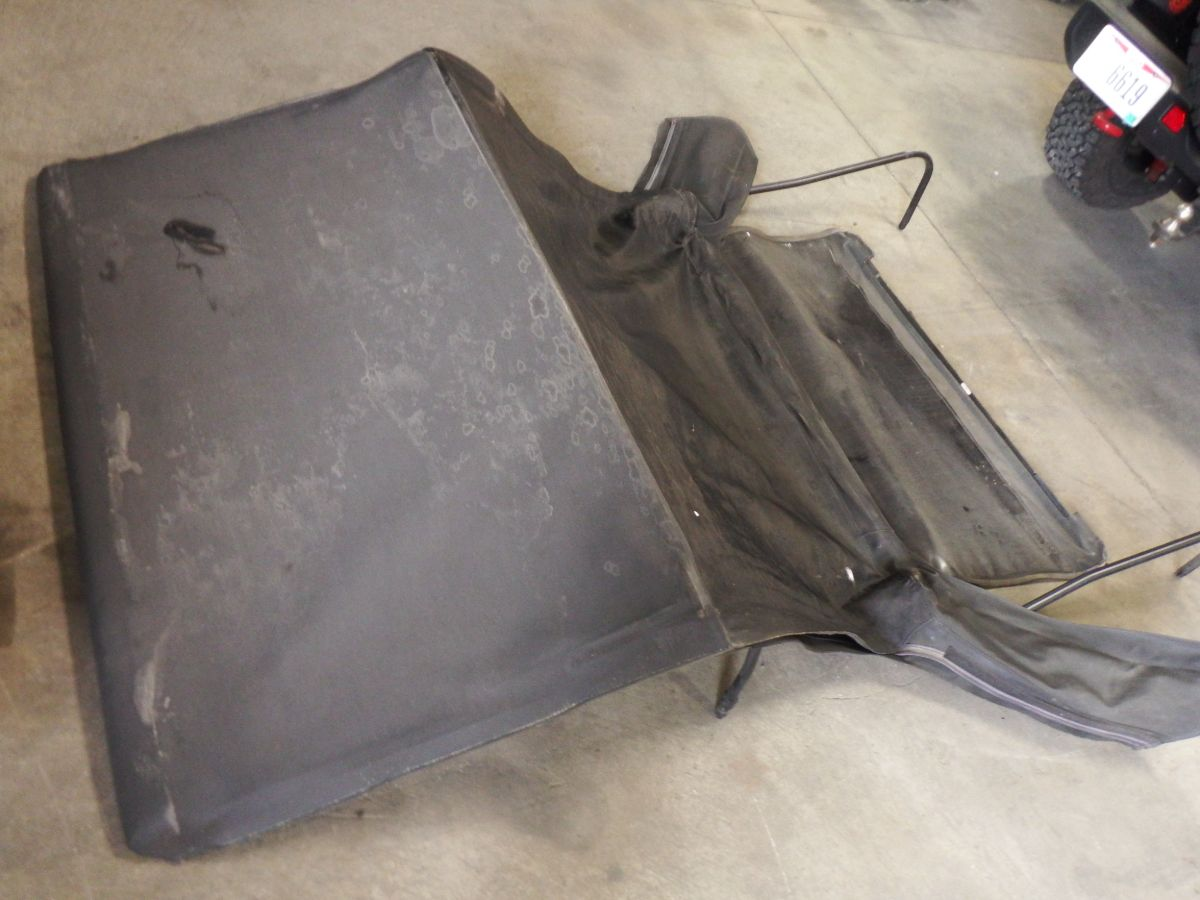 03 Jeep Wrangler TJ Bow Assembly Roof and Rear Window Image