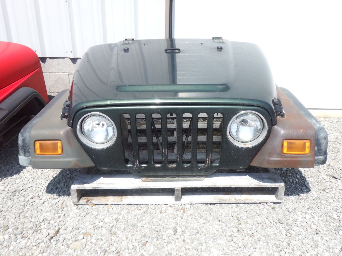 97-06 Jeep Wrangler TJ Front Clip Image