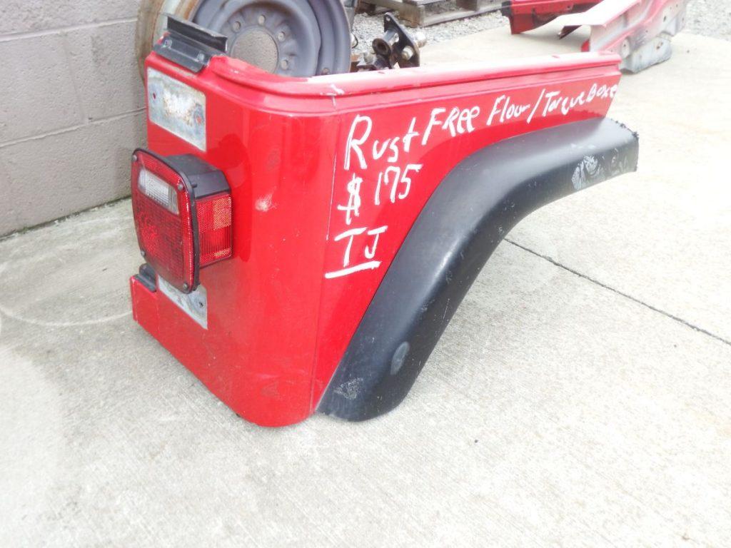 Jeep Wrangler TJ Right Rear Tub Corner Cut red Image