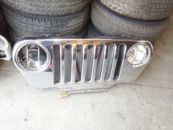 2004 Jeep Wrangler TJ LJ Grille Image