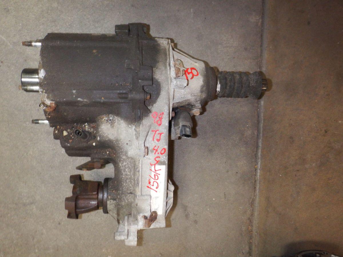 231J Transfer Case 97-02 Jeep Wrangler 23 Spline Auto or Manual 156k Image
