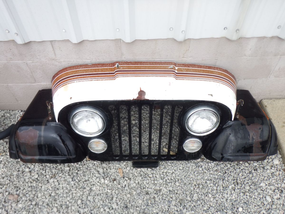 1979 CJ-7 Wall Hanger Front Clip Assembly Image