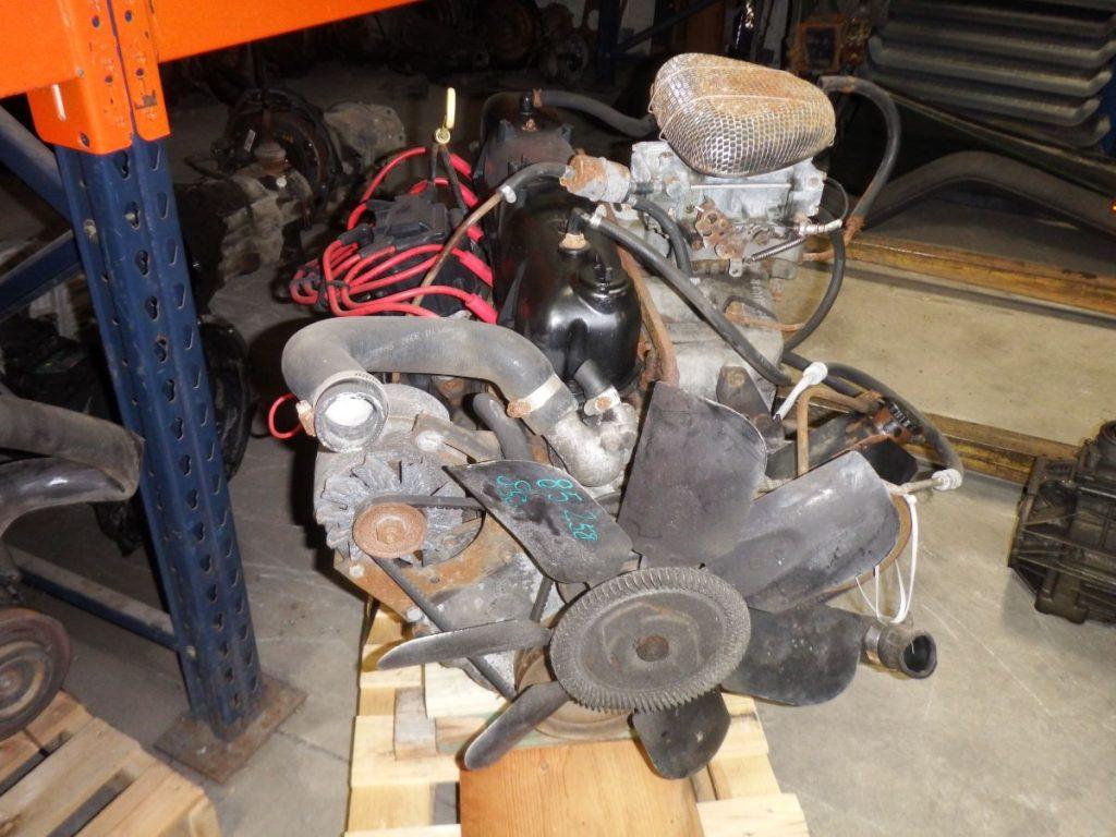85 CJ 258 4.2 6 Cyl. Engine Image
