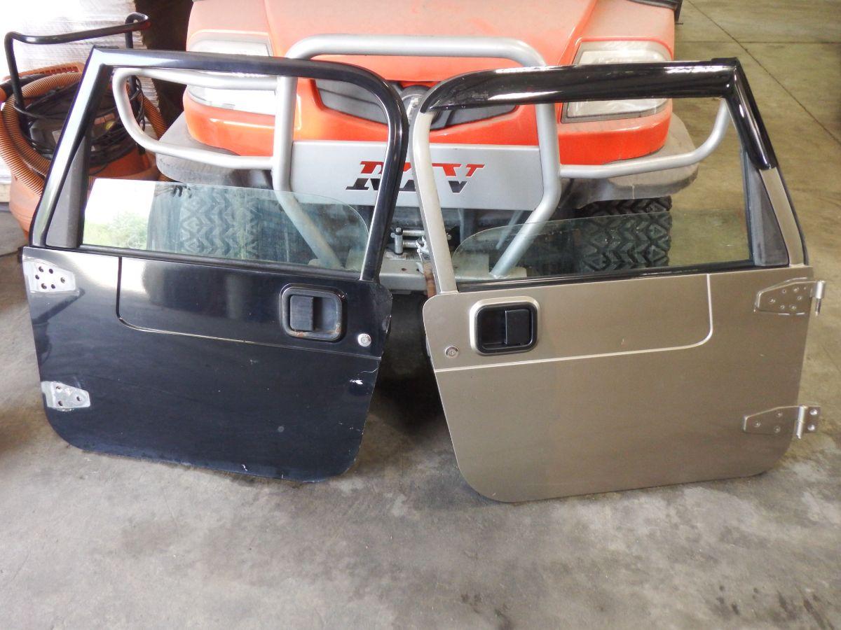 Pair Jeep Wrangler TJ LJ Dented Full Doors 300 Image