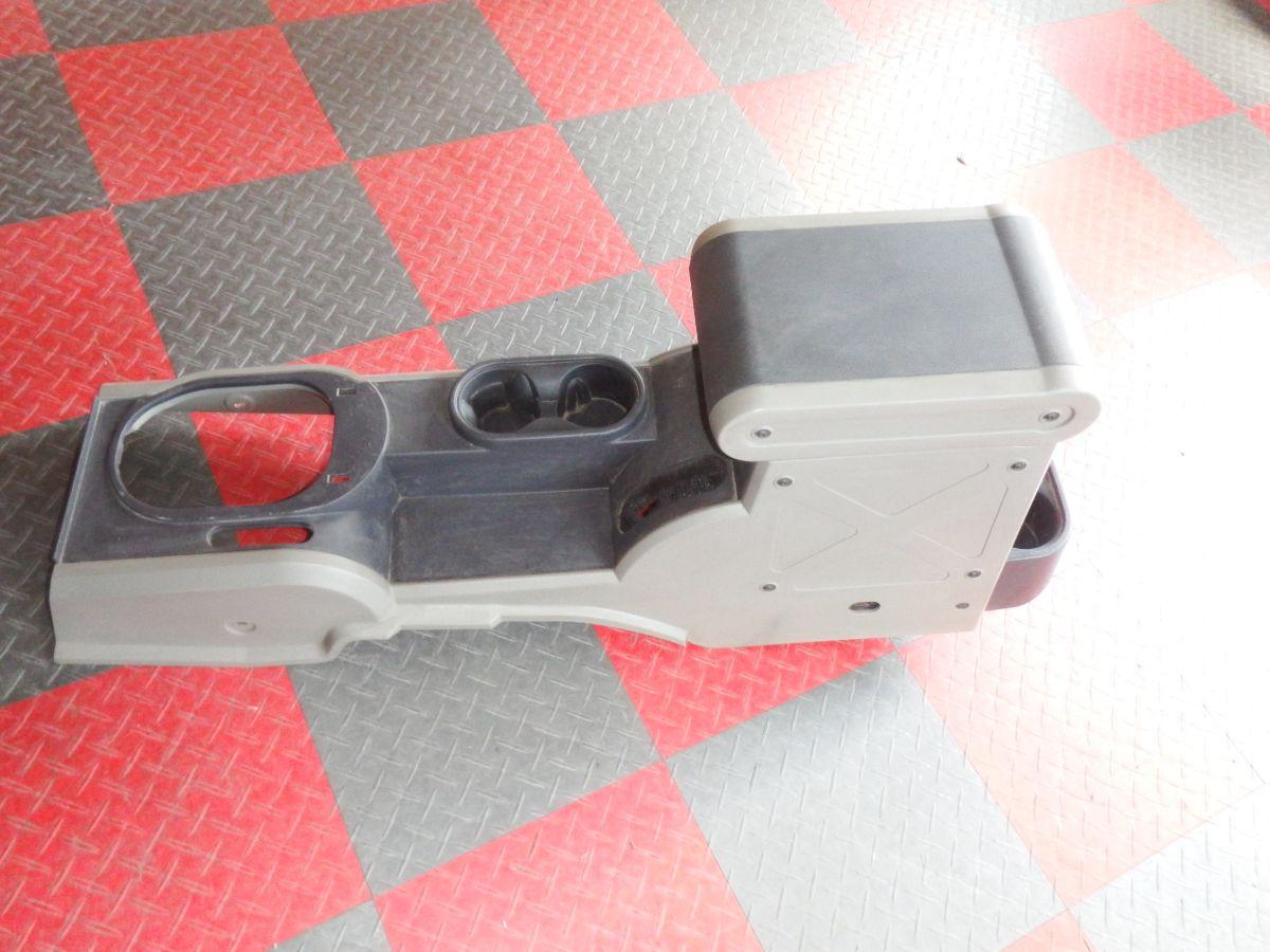 2007-2010 Jeep Wrangler JK 6 Speed Center Console Image