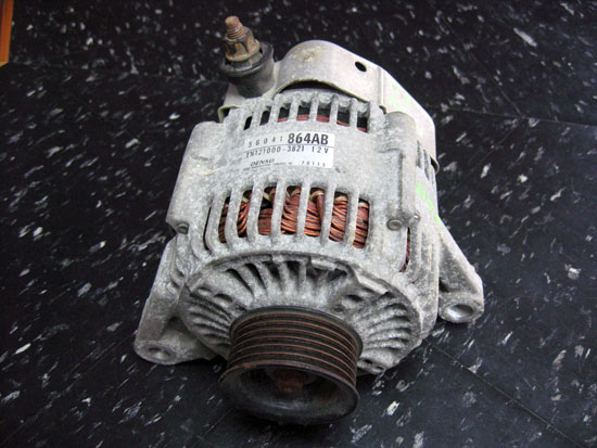 2000-2006 Jeep Wrangler TJ LJ Alternator with 4.0 Image
