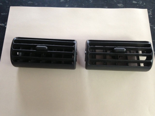 1997-06 Jeep Wrangler TJ LJ Center Dash Vent Image
