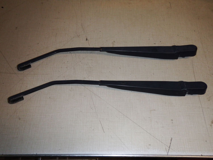 1997-2006 Jeep Wrangler Wiper Arms Image