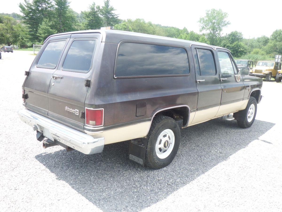 1986 Chevy Suburban 3/4 Ton 4×4