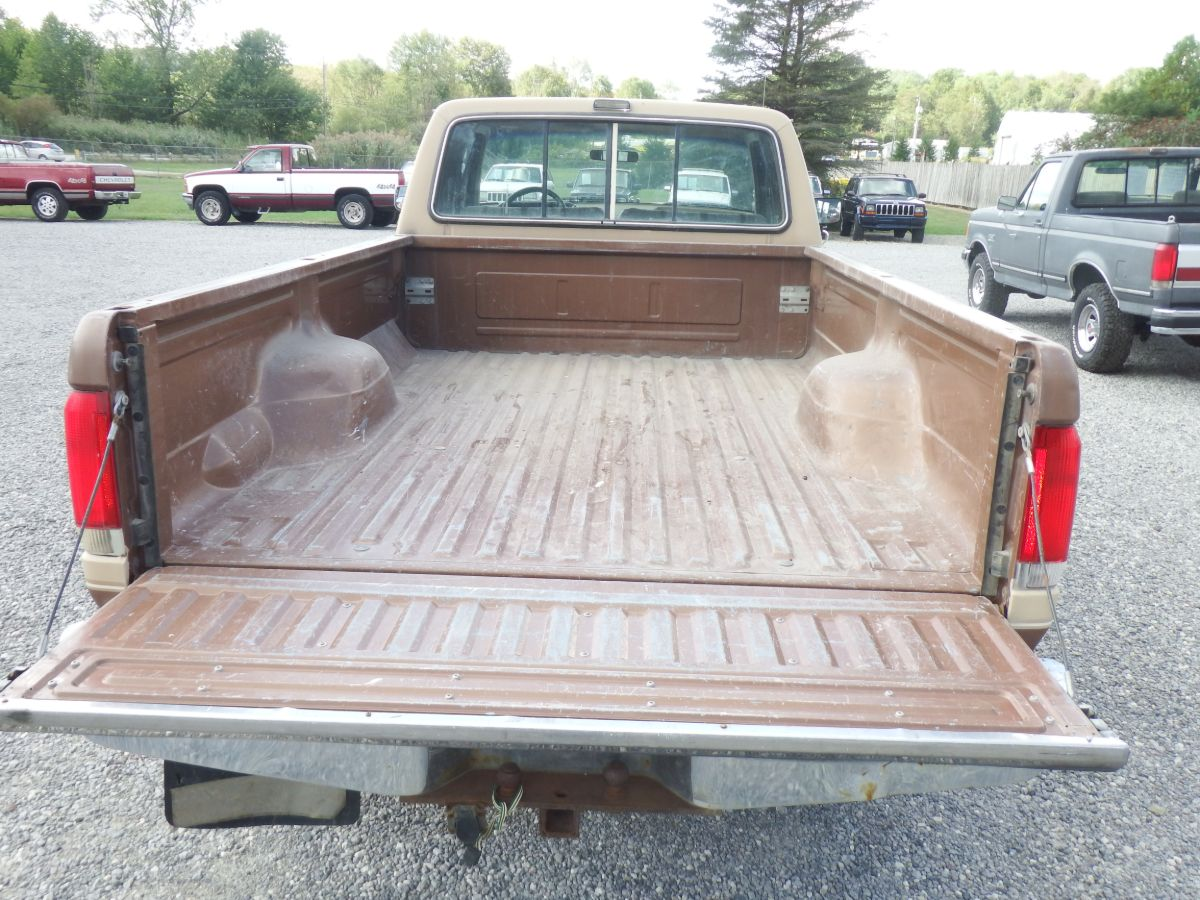 1988 Ford F-250 XLT Lariat Ext. Cab Long Bed 4×4