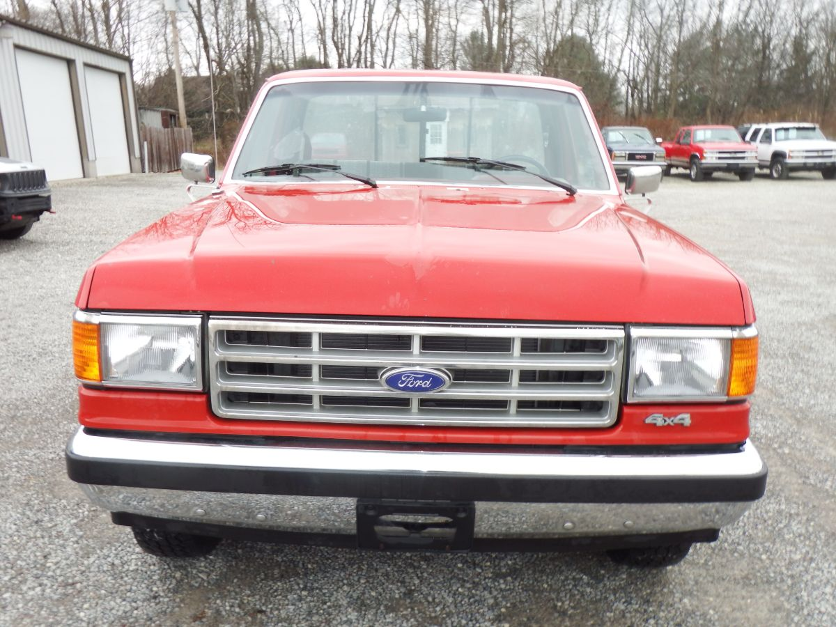 1987 Ford F-150 XL Short Bed 4×4