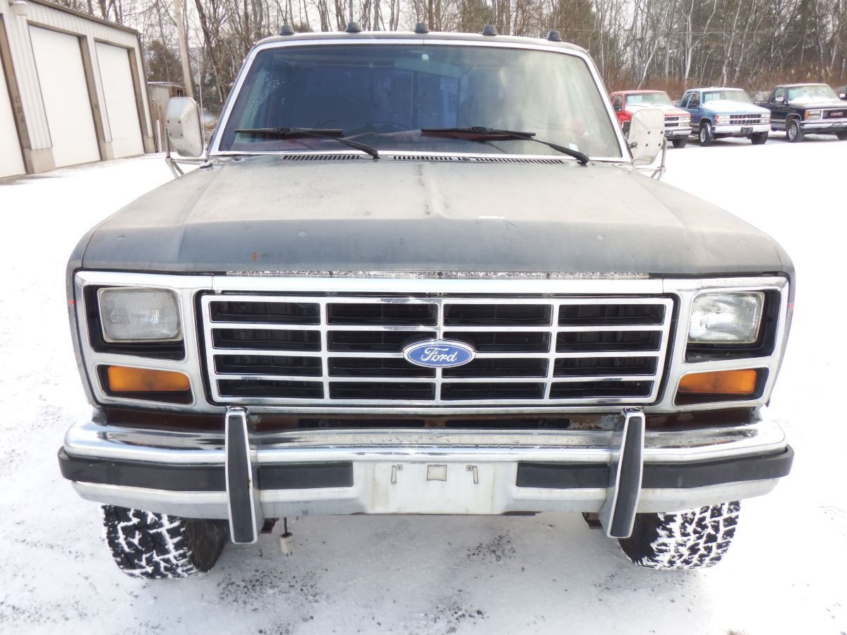 1986 Ford F-250 Lariat Turbo Diesel Extended Cab Long Bed 4×4