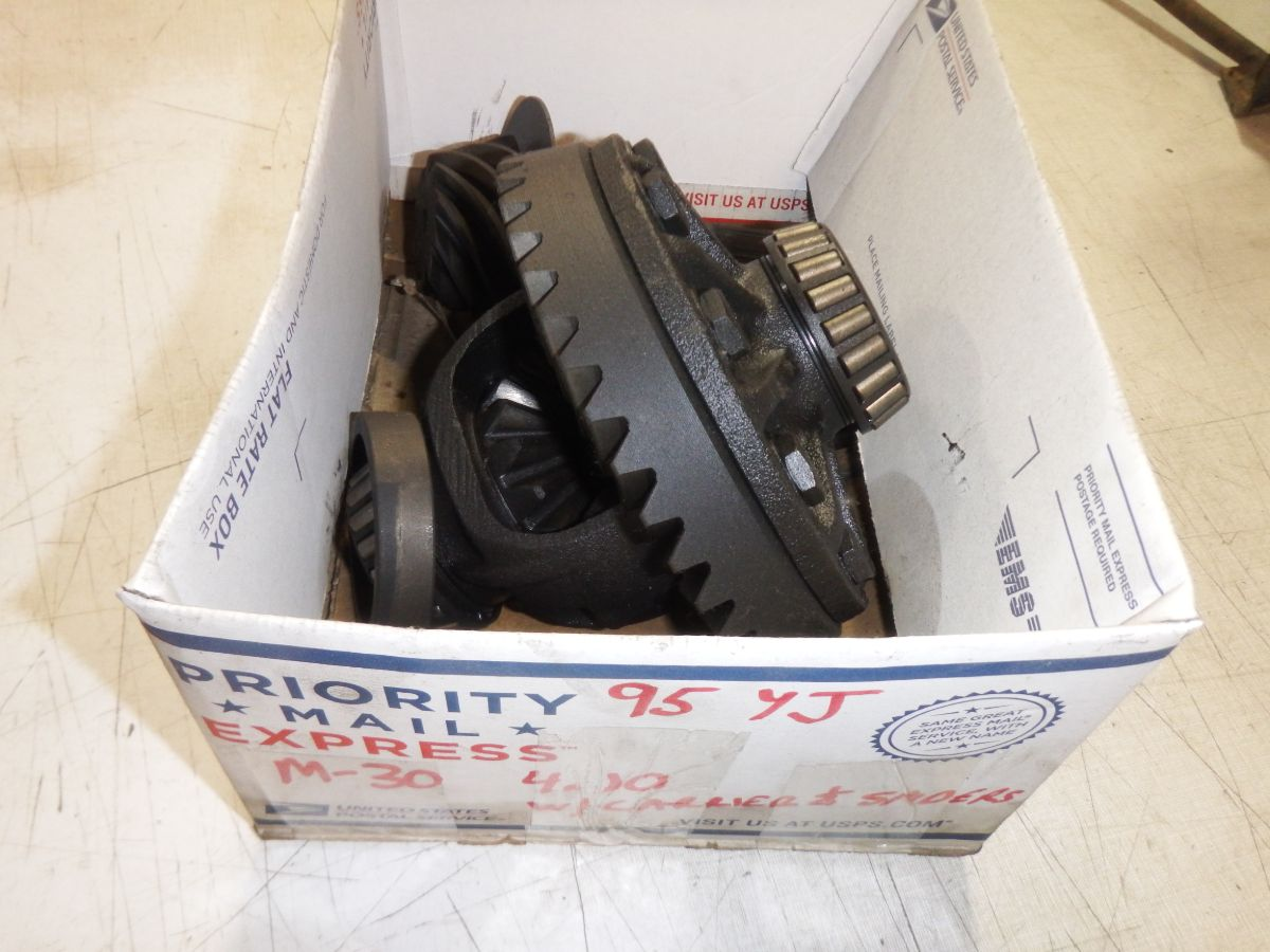 Dana 30 YJ 4.10 Gears, Ring Pinion, Carrier Spiders Image