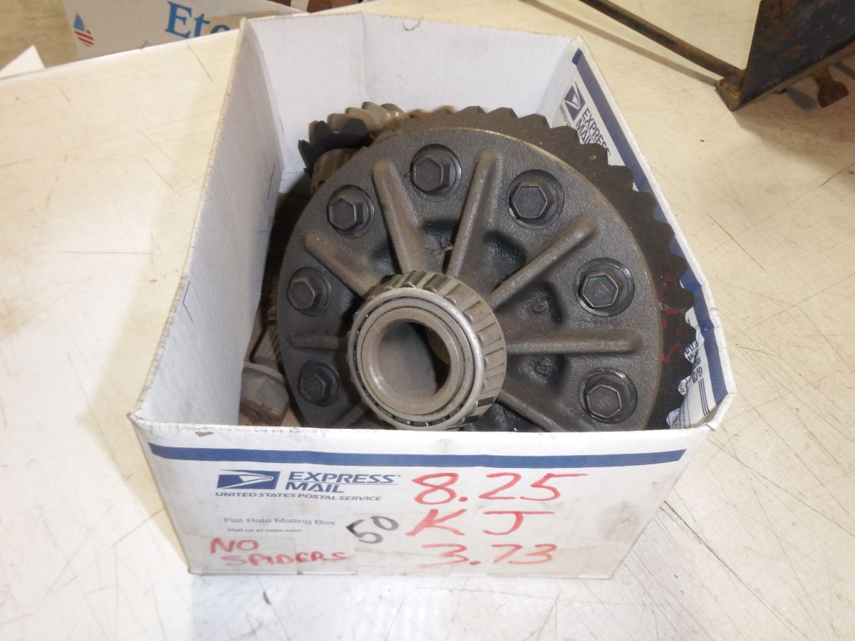 8.25 3.73 Ring Pinion Gears Carrier Image