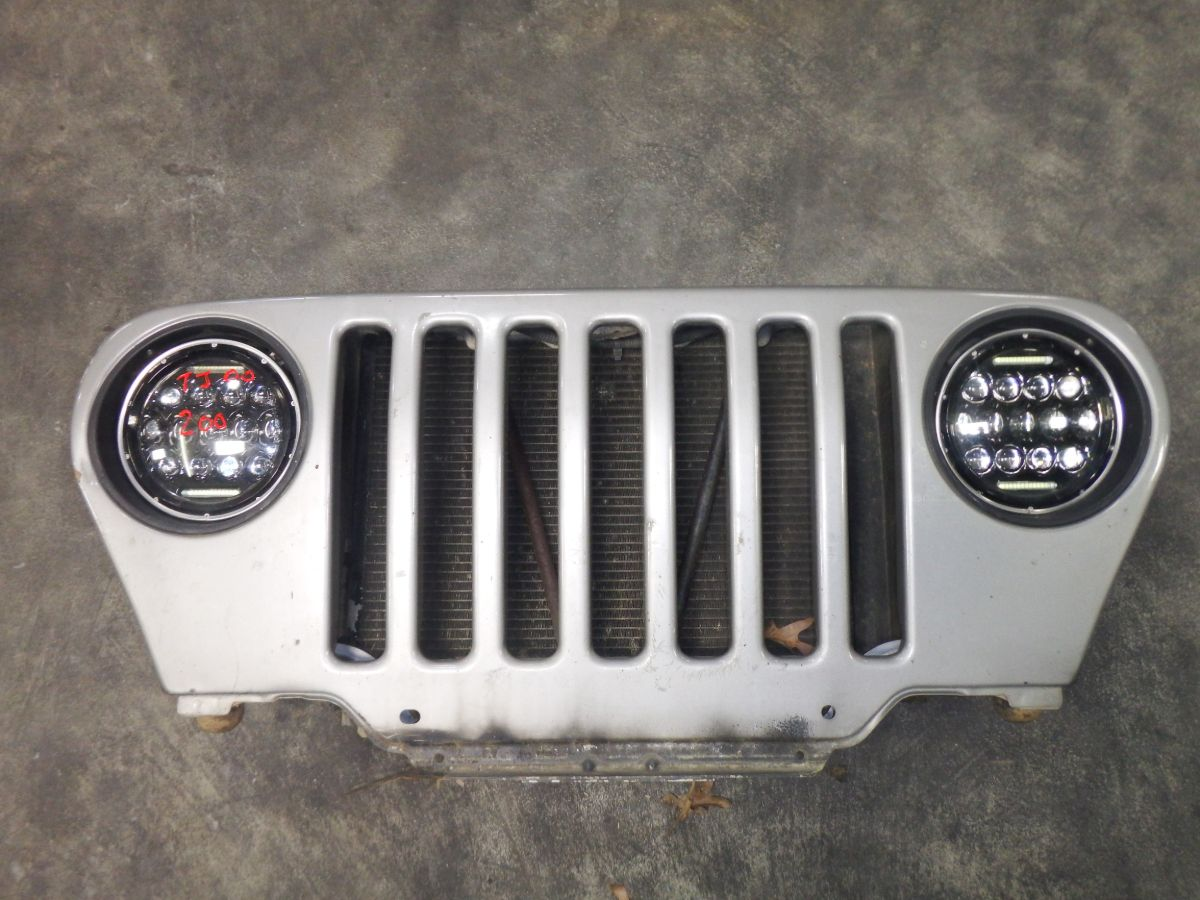 2000 Jeep Wrangler TJ Grille PS5 Silver Image