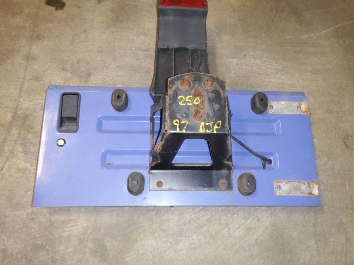97-02 TJ Very Clean Lapis Blue Tailgate PC4 Image