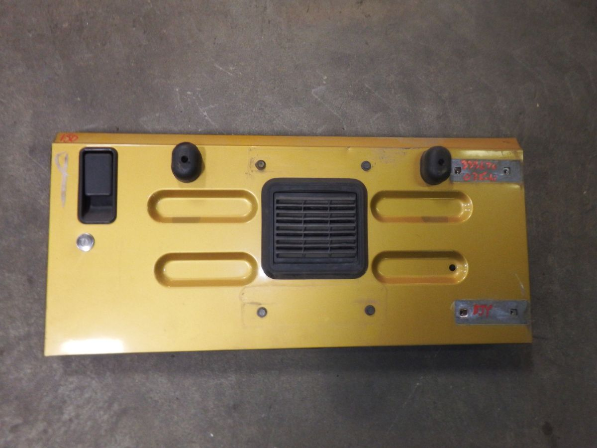 03-06 TJ Inca Gold Tailgate Rust Free some dents YYJ Image
