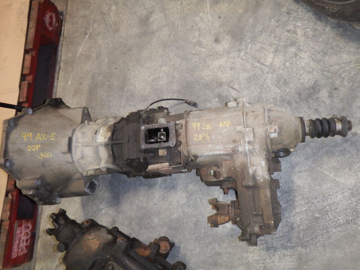 99 Jeep Wrangler TJ 231 Transfer Case 2.5 Standard AX5 Transmission is Bad Image