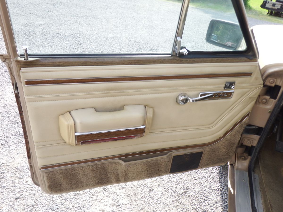 1990 Jeep Grand Wagoneer 4×4