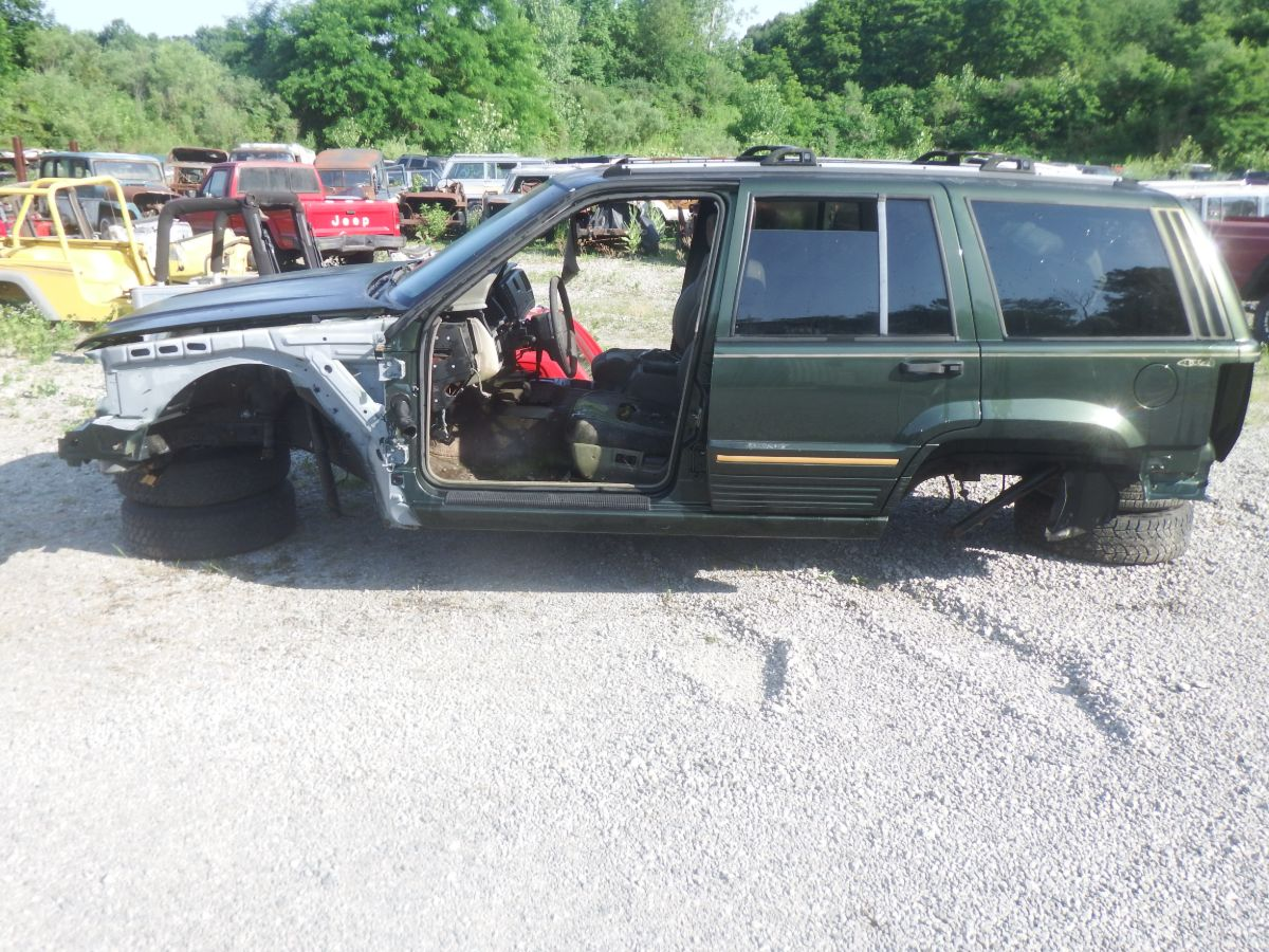 1995 Jeep Grand Cherokee ZJ Limited Rust Free Body Shell Tub Image