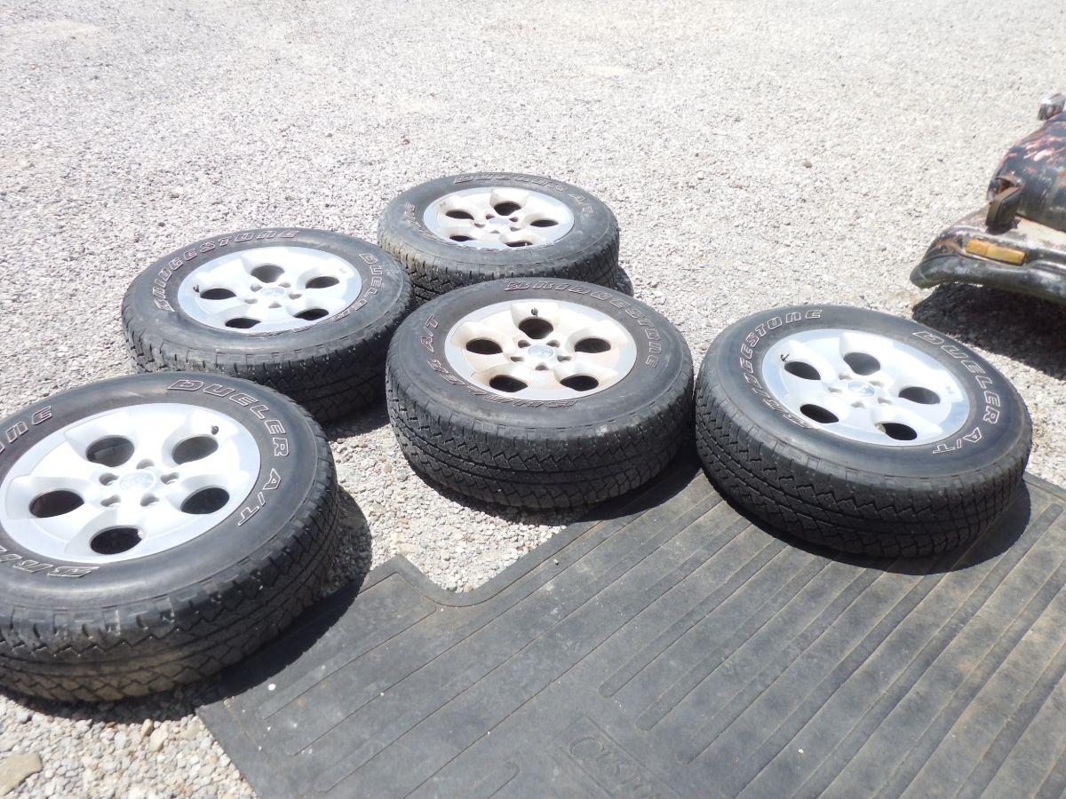 5 JK Sahara Wheels Rims 18 Inch Image