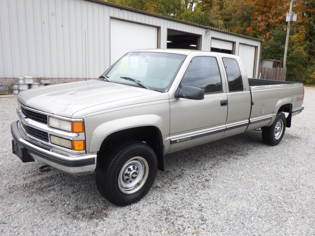 1998 Chevy K2500 3/4 Ton Extended Cab Long Bed 4×4