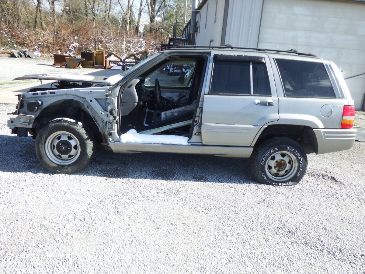 1998 Jeep Grand Cherokee 5.9 Limited Drivetrain Donor Jeep